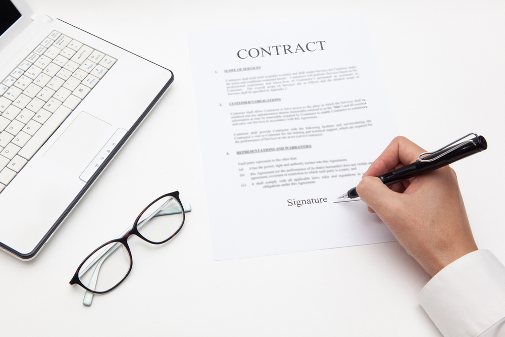 sign contract before working