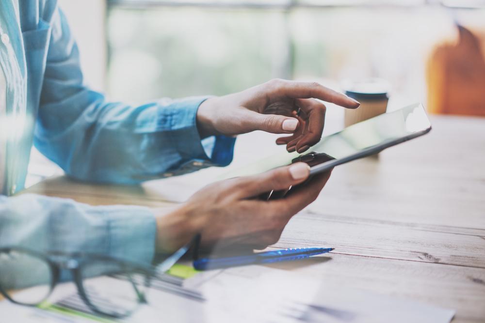 investing through smart phones